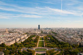 View from Eiffel tower on famous Champs de Mars — Stock Photo
