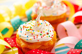 Cupcakes with whipped cream — Stok fotoğraf
