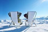山でのスキーの後 — ストック写真