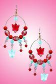 Juwelen concept met mooie oorbellen — Stockfoto