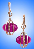 Concept de bijoux avec des belles boucles d'oreilles — Photo