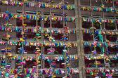 Symbole der liebe in verona - juliet-hof — Stockfoto