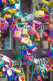 Symbols of love in Verona - Juliet yard — Stock Photo