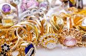 Büyük altın takı koleksiyonu — Stok fotoğraf