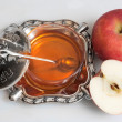 Honey with apple for Rosh Hashana — Foto de Stock