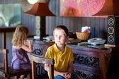 Two kids indoors — Stock Photo