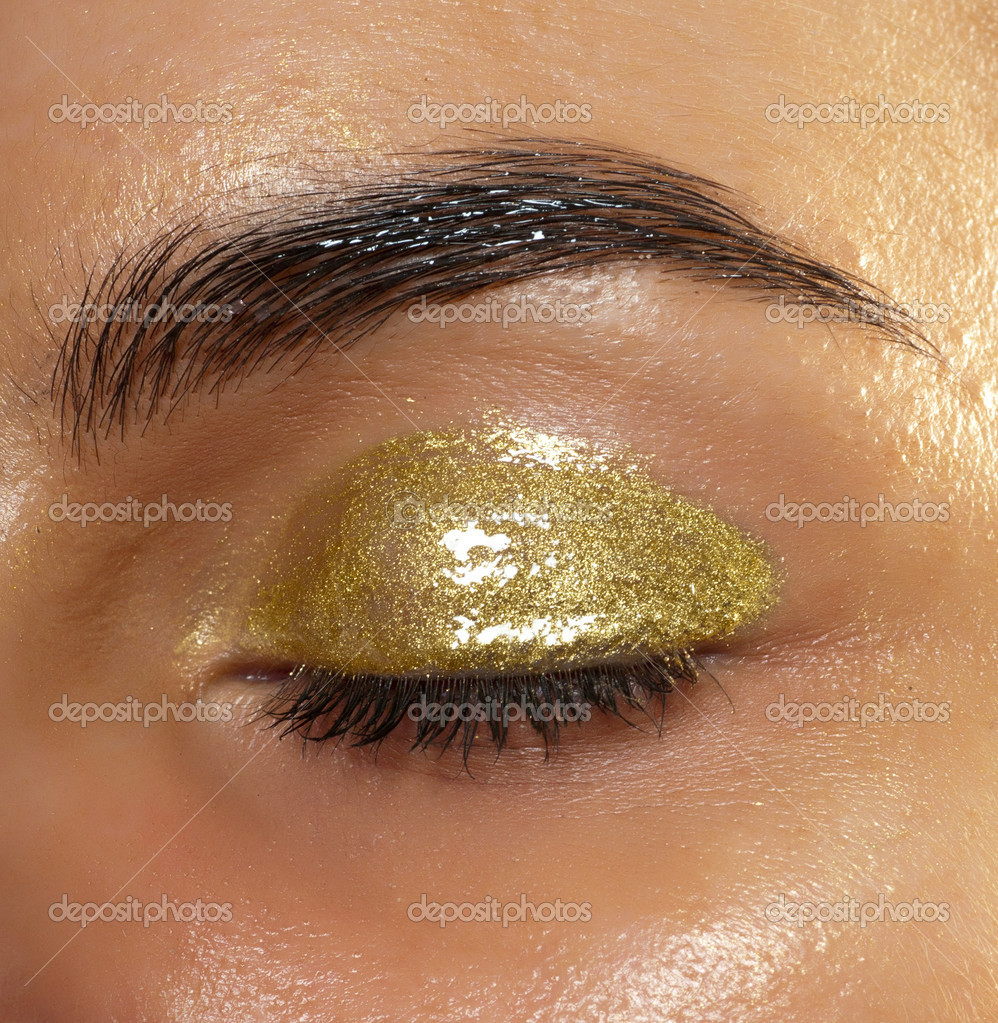 Modern style of golden make-up. — Stock Photo #11239679