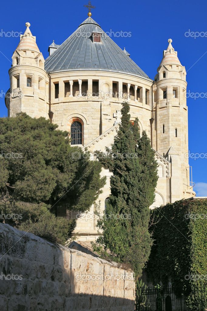 The majestic church of Dormition of the sunset. Jerusalem magnificent — Stock Photo #11928390
