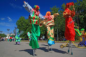 VELIKIJ NOVGOROD, RUSSIA - JUNE 10: clowns on town street at day — Stock Photo