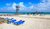 Beach of hotel Melia Cayo Guillermo. — Stock Photo