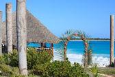 カリブ海沿岸にウェディング ガゼボ. — ストック写真