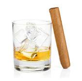 Whisky sklenice a doutník — Stock fotografie
