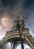 Torre Eiffel dal basso — Foto Stock