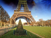 Eiffel Tower in Winter, view from Champs de Mars — Stock Photo