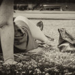 Stock fotografie: Womrelaxing in Park