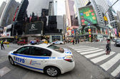 NEW YORK CITY - MAR 6: Times Square in morning with NYPD car in — Foto Stock