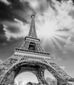 Clouds and Sky Colors above Eiffel Tower — Stock Photo