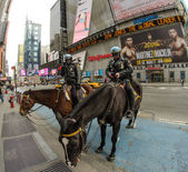 NEW YORK, USA - MAR 6: Police officers ride their horses downtow — Stock Photo
