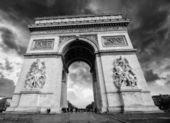 Beautiful view of the Arc de Triomphe, Paris — Stock Photo
