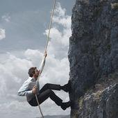 Montagna e uomo d'affari — Foto Stock