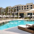 Swimming pool at the luxury hotel, Saadiyat island, Abu Dhabi, U — Stock Photo