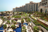 Swimming pools at the luxury hotel, Saadiyat island, Abu Dhabi, — Stock Photo
