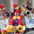 PASADENA, CA-USA - FEBRUARY 18: clowns entertaining the crowd at Chinese Lunar New Year Parade on February 18 2007 in Pasadena California - Zdjęcie stockowe