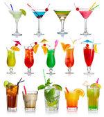 Conjunto de cocktails de álcool isolado no branco — Foto Stock
