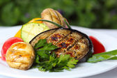 Verdure grigliate con funghi e verdure — Foto Stock