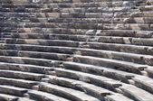 Ruínas do antigo teatro. assentos apenas. ninguém. — Foto Stock