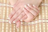 Krásné ženské ruce — Stock fotografie