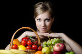 Beautiful girl with fruit and vegetables — 图库照片