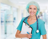 Medical doctor woman in the office — Stockfoto