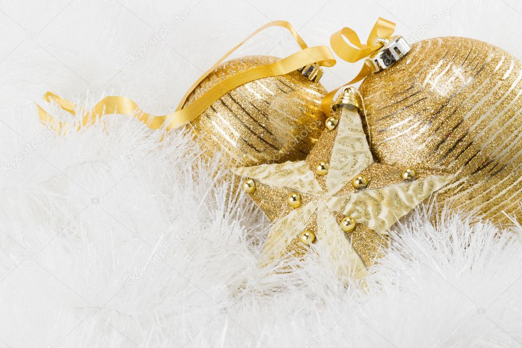 Golden Christmas balls — Foto Stock #11749582