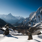 Cho La pass and stone stacks at daybreak in Himalayas — Stock Photo #11787386