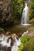 Himalaya Landscape: rocks and waterfall — Stock Photo