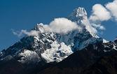 Ama dablam 峰值在喜马拉雅山 — 图库照片