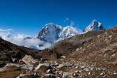 Mountain peaks and rocks: Himalaya landscape — Stock Photo