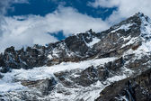 Rocks and snow viewed from Gokyo Ri summit in Himalayas — Stock Photo