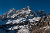 Snowed up mountains near Gokyo — Stock Photo