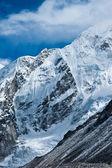 Mountains not far Gorak shep and Everest base camp — Stock Photo