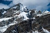 岩石和从戈焦 ri 首脑会议在喜马拉雅山的山峰 — 图库照片