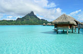 Luxury overwater vacation resort on Bora Bora — Foto de Stock