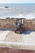 Defensive wall cannons at Essaouira, Morocco — Foto de Stock