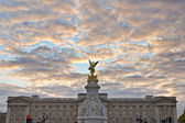 Queen Victoria Memorial at London, England — Stock Photo