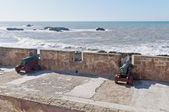 Defensive wall cannons at Essaouira, Morocco — 图库照片