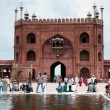 Ablution in Jama Masjid, India's largest mosque — Stock Photo