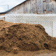 Cow dung as a natural fertilizer — Stock Photo