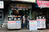 Dhabas as roadside food stalls in New Delhi — Stock Photo