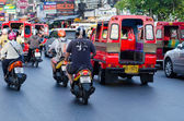 Traffic on Phuket streets in high tourist season — Stock Photo